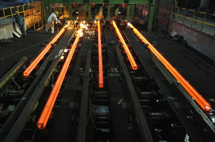 کاهش قیمت شمش فولاد ادامه دار شد