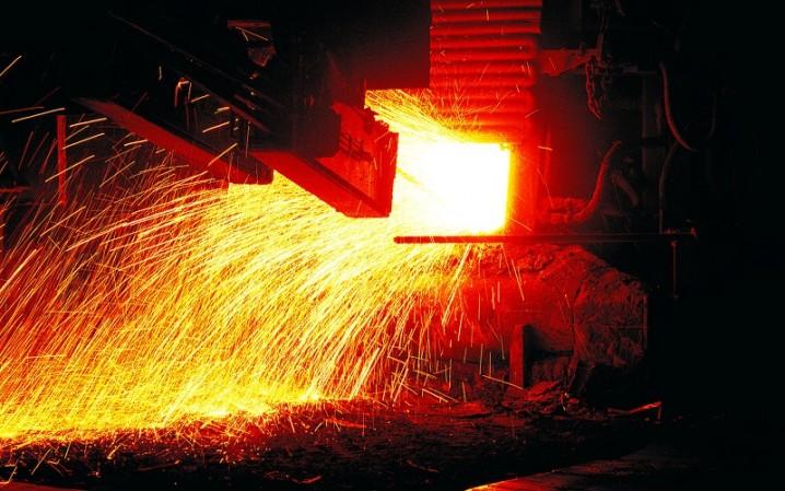 کاهش تولید فولاد خام جهانی