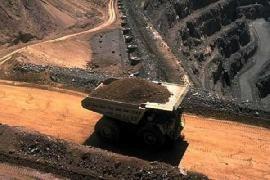 سقوط قیمت سنگ آهن چین به دلیل کاهش تقاضا