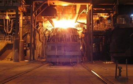 خالی شدن انبارها به رشد قیمت جهانی فولاد انجامید
