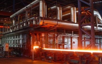 مطالبات بازنشستگان فولاد پرداخت شود