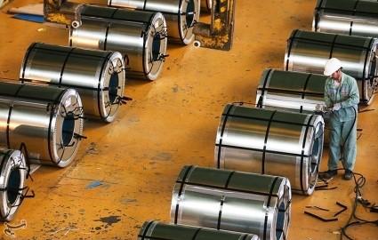 فولاد مبارکه با تولید ورقهای زیر ۳ میلیمتر با مافیای واردات ورق مقابله کرد
