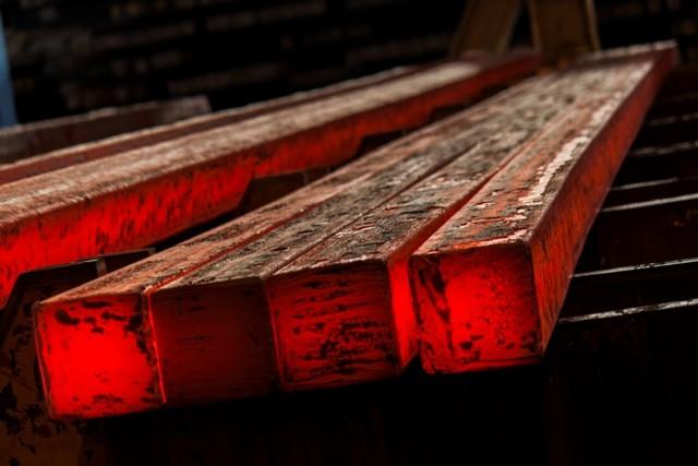 2 اقدام مثبت شریعتمداری در حوزه فولاد