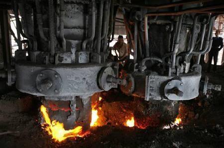 بهبود آمار تولید فولاد در کشور/کاهش نیاز کشور به ورقهای وارداتی