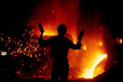 جامعه کارگری نمی تواند نسبت به مساله کارگران گروه ملی فولاد ایران بی تفاوت باشد/مدیرکل امنیتی استانداری خوزستان: پرداخت مطالبات آغاز شده است