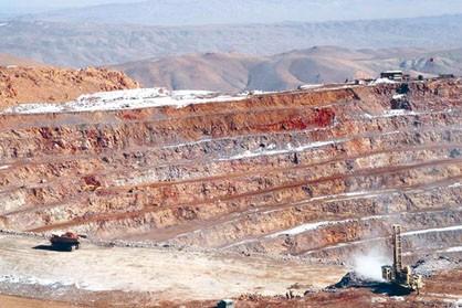 قوانین خشک وزارت صنعت دست و پای معدنی ها را می بندد