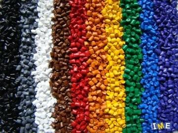 عرضه ۵۱ هزارتن مواد پلیمری از سوی ۱۵ مجتمع پتروشیمی