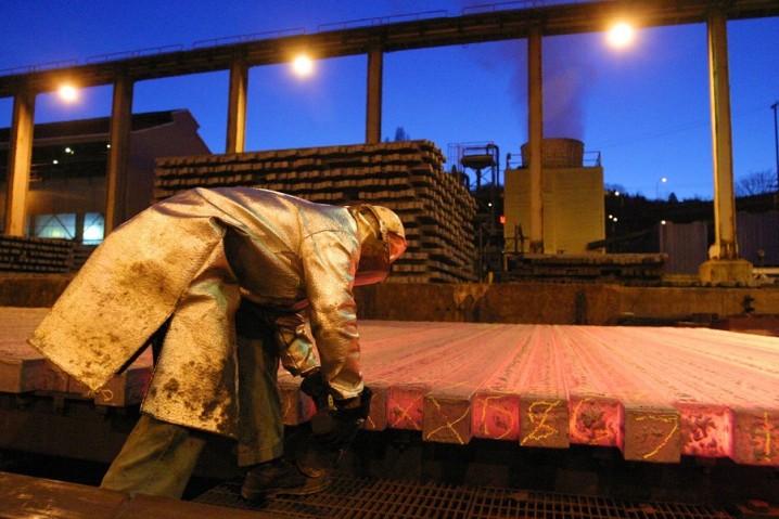 نحوه محاسبه مالیات بر ارزش افزوده، نرخ بالای بهره تسهیلات بانکی و تولیدکنندگان فولاد