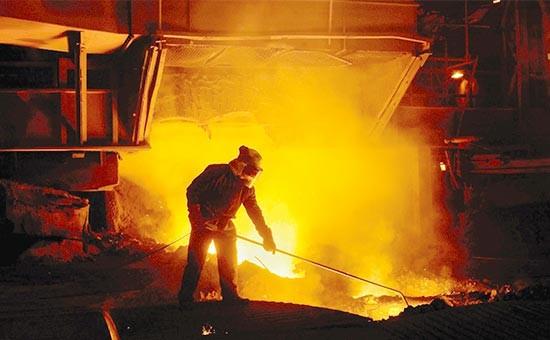 تعدیل منفی سود یک فولادی در 6 ماه