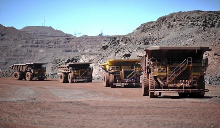 حرکت معدن کاران به سمت ساخت و ساز و واردات خودرو