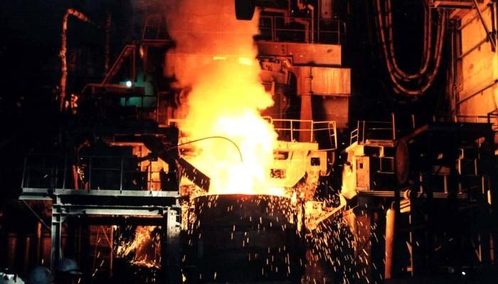 تولید فولاد خام چین بعد از ۲۰ سال کاهش یافت