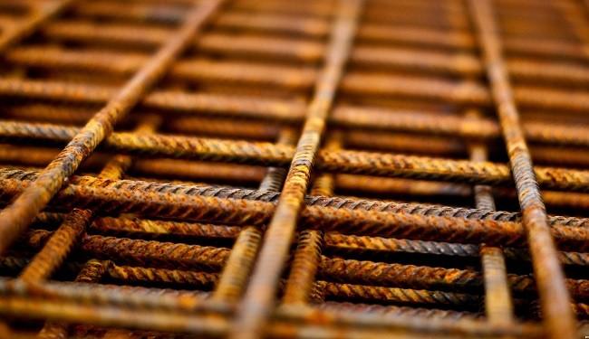 بیرمقی جرقههای رشد قیمت فولاد در بورس و بازار