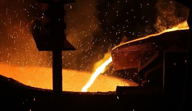 فولاد مبارکه 50 درصد از فولاد و مواد اولیه 3 هزار کارخانه کشور را تامین می کند