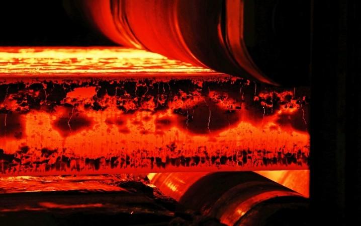 گرمای شمش فولاد خوزستان کم شد