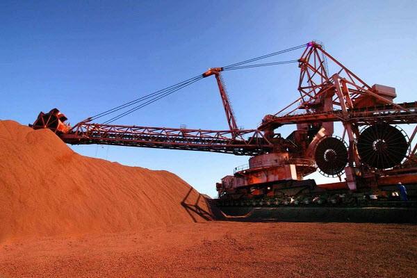 لغزش در تقاضای چین، قیمت جهانی سنگآهن و فولاد را کاهش داد