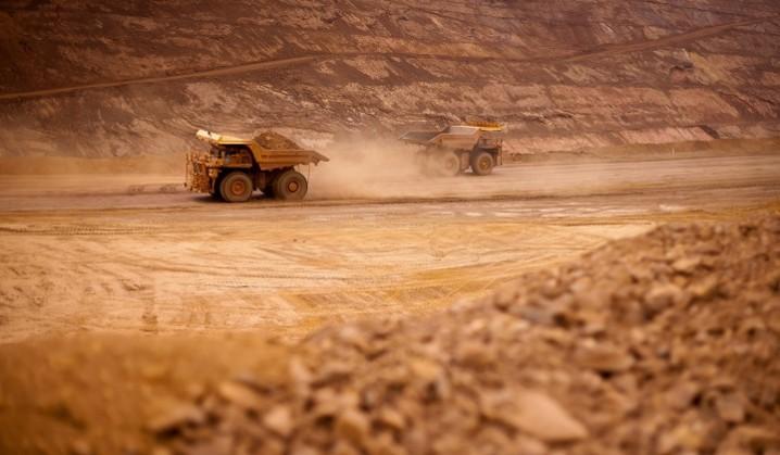 با کاهش قیمت نفت ایران به دنبال صنعت معدن است