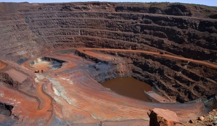 ذخایر جدید سنگان و نوزایی اکتشاف معادن