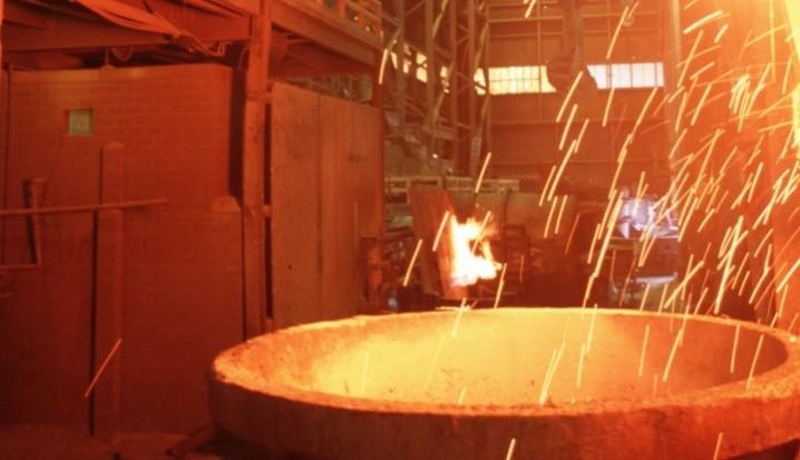 ضرورت قیمتگذاری اصولی در زنجیره تولید فولاد | بهرام شکوری