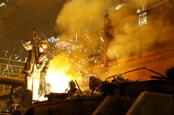 تصمیم دولت برای تکمیل مجتمع فولاد سفید دشت