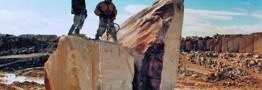 بی نظیرترین معدن قیر طبیعی ماسه ای کشور در دشتی