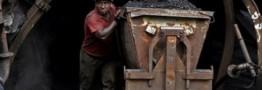 دولت در بودجه سالیانه ردیفی برای مطالبات معادن زغالسنگ اختصاص دهد