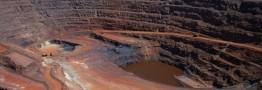 نگاههای خارجیها به معدن است تا فولاد